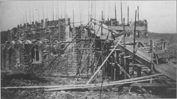 Die Josefskirche im Bau 1908