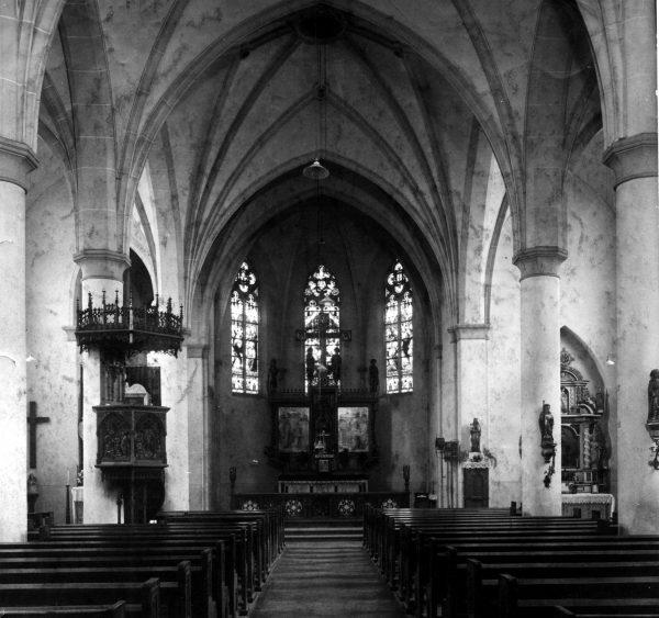 ein-03-Kirche-Kanzel-links-vor-1933
