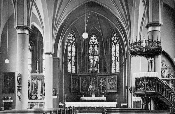 ein-05-Kirche-Kanzel-re- vor-1968