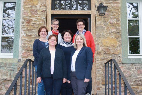 vorne: Stefanie Rose, Ilona Antonik / Mitte: Angelika Ernst, Monika Kleine / hinten: Brigitte Aschersleben, Manuela Backenecker